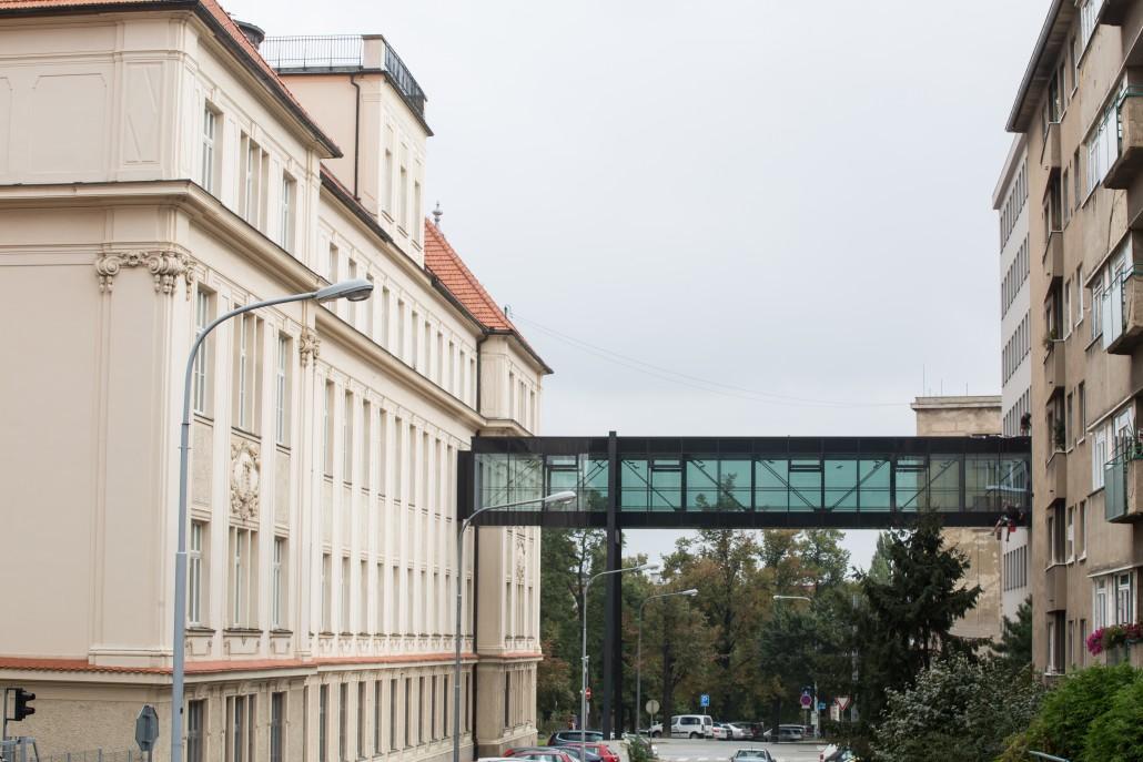Mytí atipických oken ve výšce - Brno