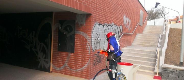 Odstranění graffiti z lícového zdiva Brno