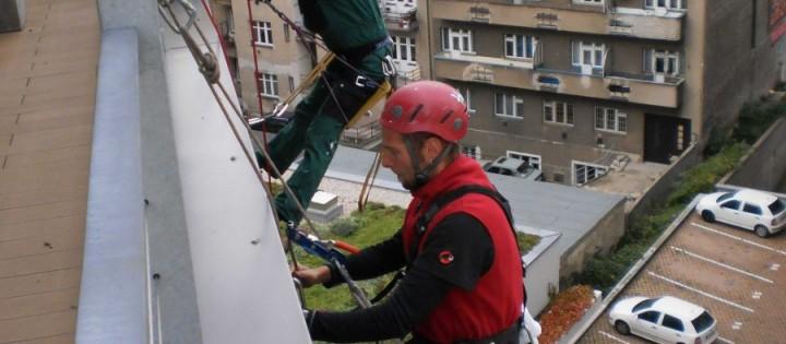 Mytí oken ve výškách Praha